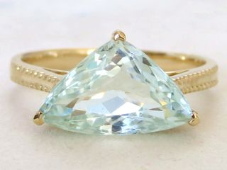 9k Yellow Gold 3.8ct Aquamarine Ring