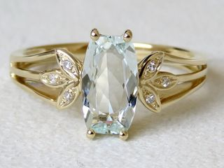 9k Yellow Gold 1.12ct Aquamarine & Diamond Ring
