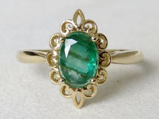 9k Yellow Gold 1.22ct Emerald Ring