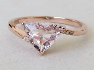 9k Rose Gold 1.23ct Morganite & Diamond Ring