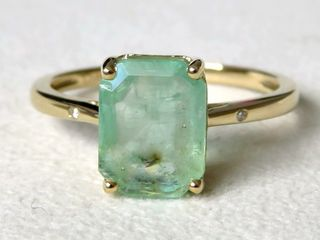 9k Yellow gold 3.32ct Emerald & Diamond Ring