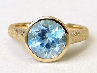 9k Yellow Gold 4ct Aqua Blue Topaz Ring