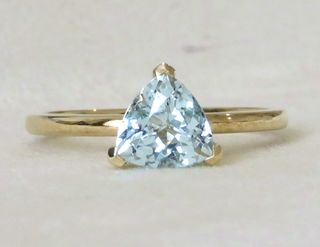 9k Yellow Gold 1.42ct Aquamarine Ring