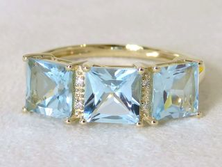 9k Yellow Gold 3.5ct Aqua Blue Topaz & Diamond Ring