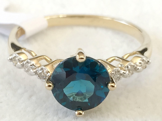 9ct Yellow Gold London Blue Topaz & Diamond Ring