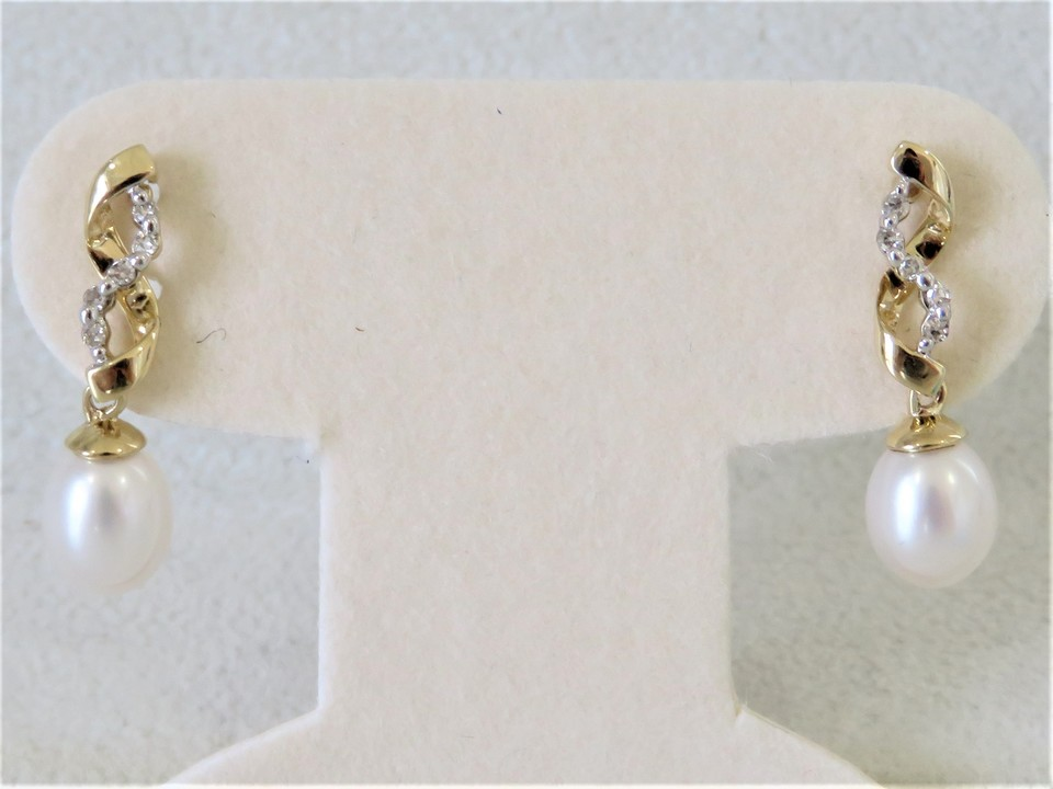 9ct Yellow Gold Pearl & Diamond Earrings