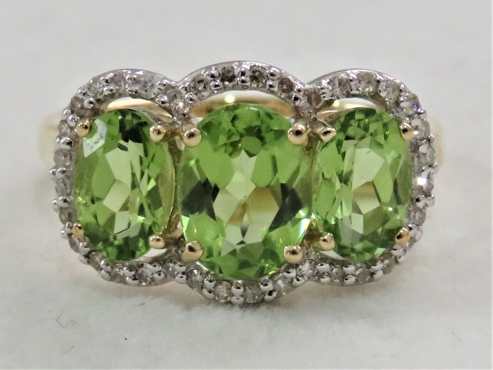 9ct Yellow Gold 3.67ct Peridot & Diamond Ring
