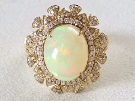 18k Yellow Gold 3.62ct Ethiopian Opal & 0.81ct Diamond Ring with Valuation