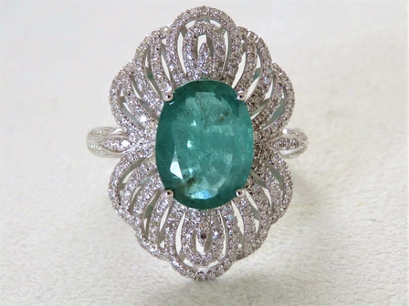 18k White Gold 3.17ct Emerald & 0.93ct Diamond Ring with Valuation