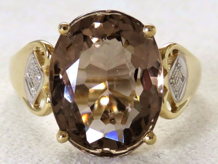 9k Yellow Gold 7.01ct Smoky Quartz & Diamond Ring