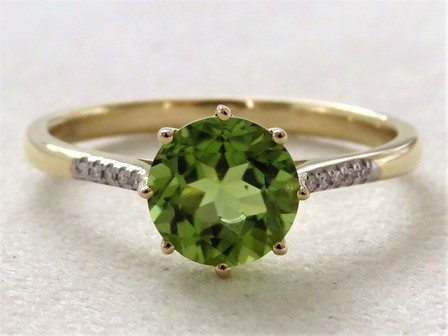 9k Yellow Gold 1.57ct Natural Peridot & Diamond Ring