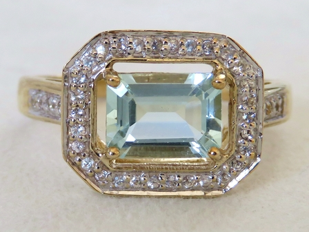 9k Yellow Gold 1.25ct Aquamarine & White Topaz Ring