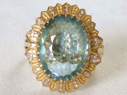 9k Yellow Gold 6.17ct Aquamarine & 0.12ct Diamond Ring