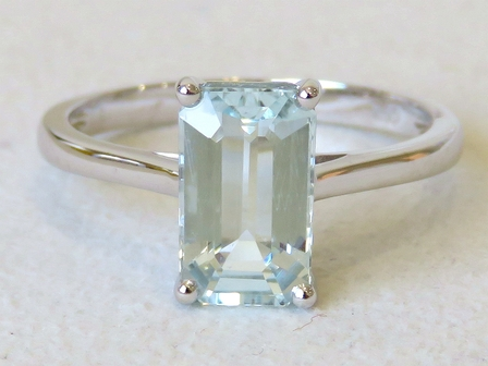 9k White Gold 1.97ct Aquamarine Ring