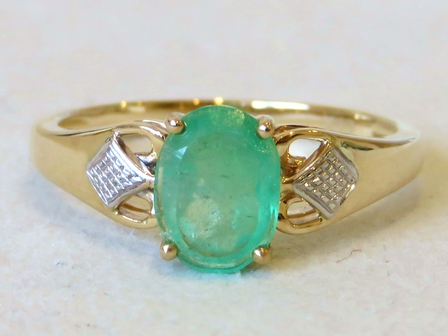 9k Yellow Gold 1.13ct Emerald Ring