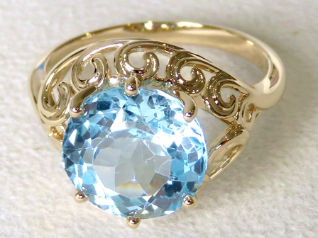 9k Yellow Gold 6.6ct 10.8mm Round Blue Topaz Ring