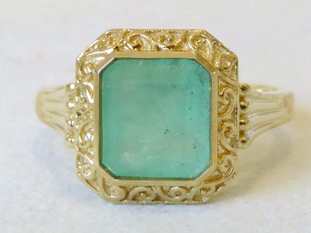 9k Yellow Gold 2.52ct Emerald Ring
