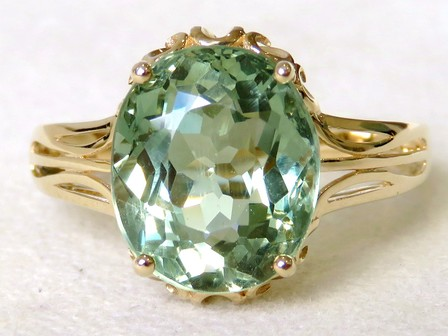 9k Yellow Gold 5.99ct Green Apatite Ring