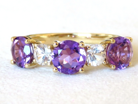 9k Yellow Gold 2ct Amethyst & White Sapphire Ring