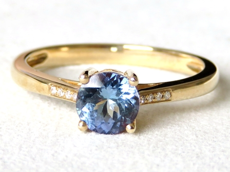9k Yellow Gold Tanzanite & Diamond Ring