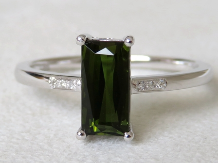 9k White Gold 1.48ct Green Tourmaline & Diamond Ring