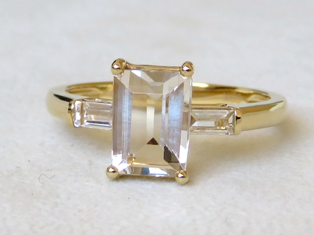 9k Yellow Gold 2.45ct Champagne Imperial Topaz & White Topaz Ring