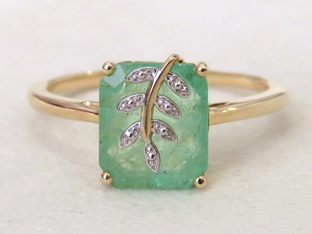 9k Yellow Gold 2.55ct Emerald Ring