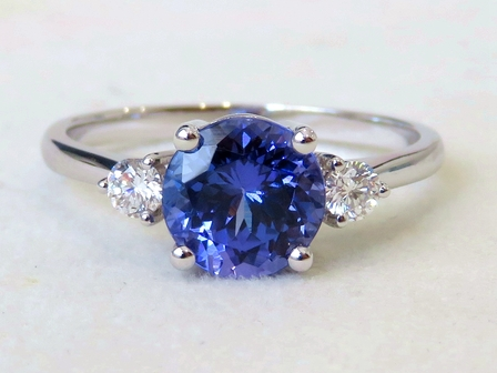 18k White Gold 1.88ct Tanzanite & 0.2ct Diamond Ring with Valuation