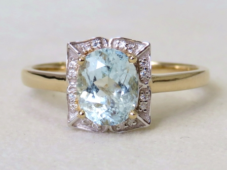 9k Yellow Gold 1.27ct Aquamarine & Moissanite Ring